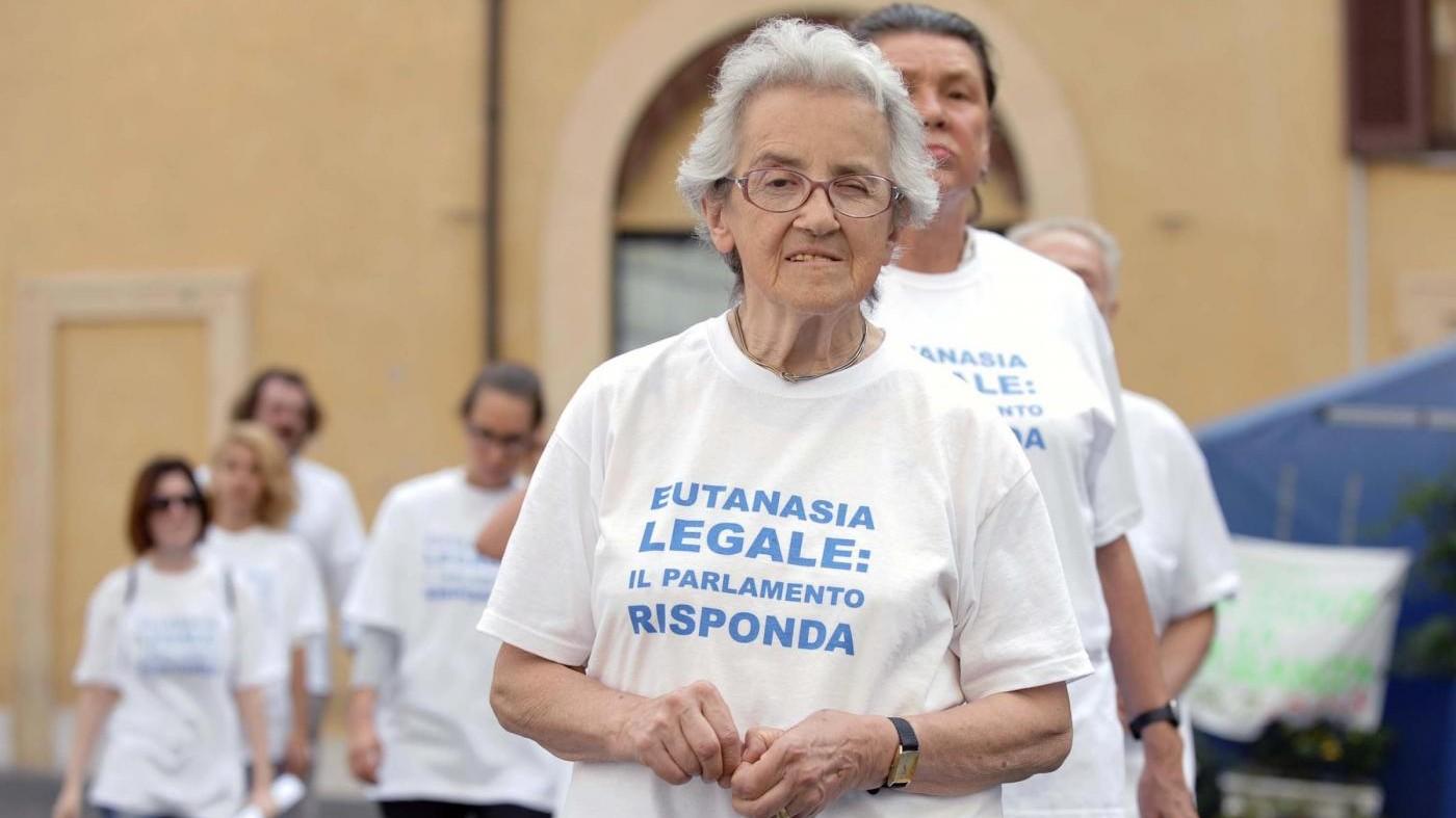 Dj Fabo, Mina Welby: Serve una legge che regoli l'eutanasia