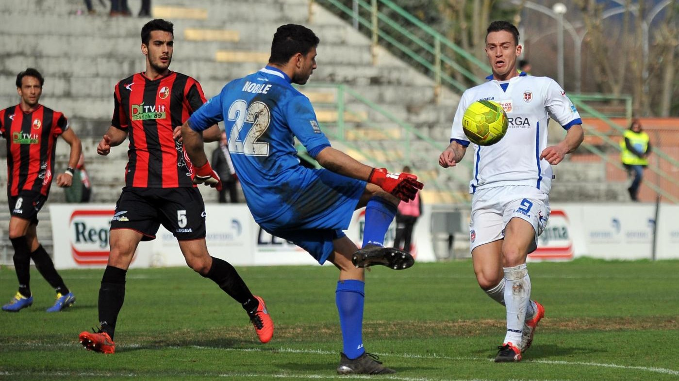 FOTO LegaPro, Lucchese-Como 1-1 in zona Cesarini