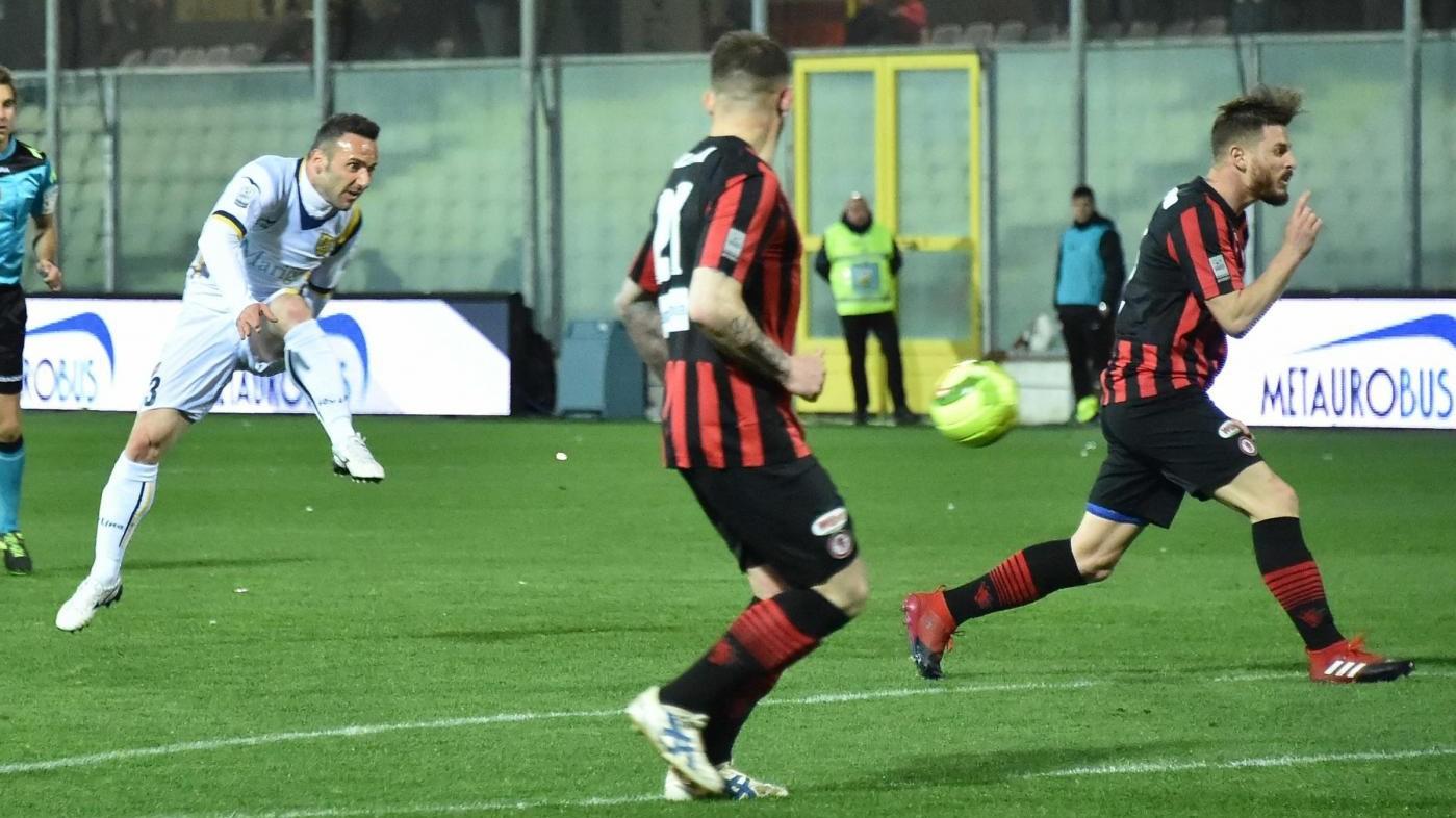 FOTO LegaPro, il Foggia vince con la Juve Stabia e va in vetta