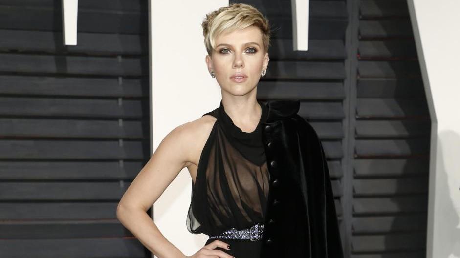 Scarlett Johansson chiede divorzio a Dauriac: battaglia per la figlia