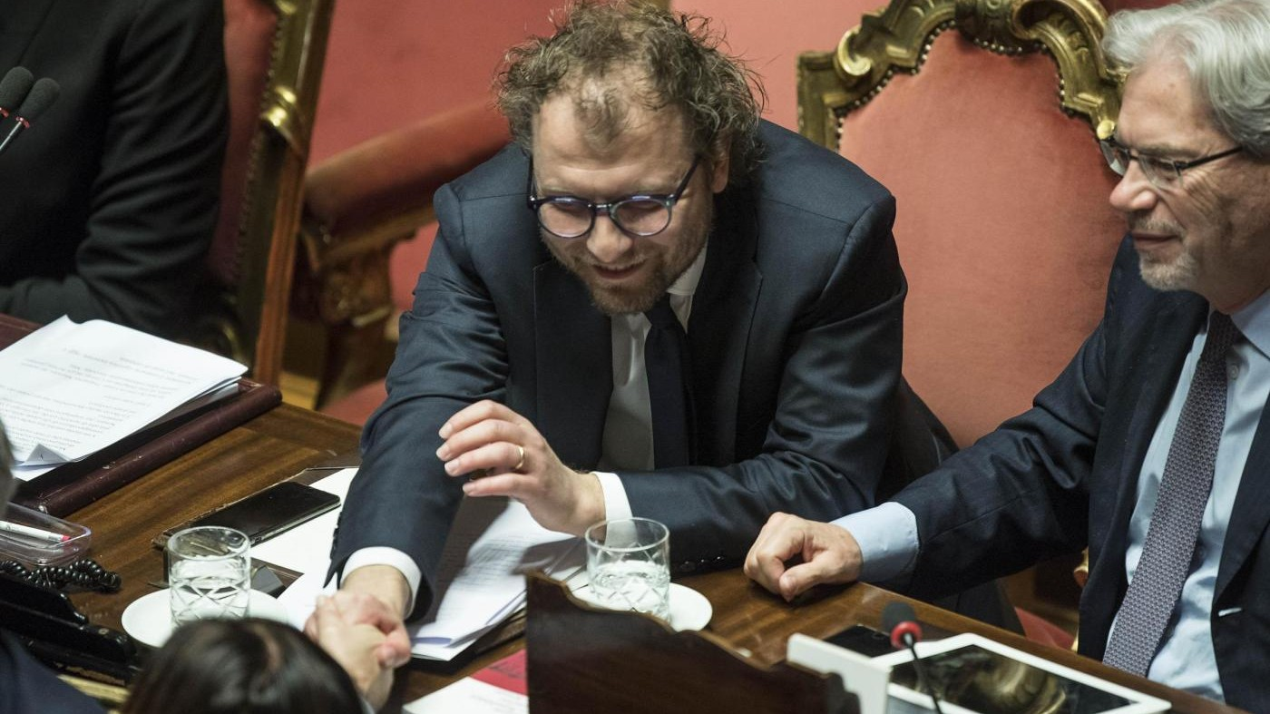 Senato rinnova la fiducia a Lotti: bocciata la mozione del M5S