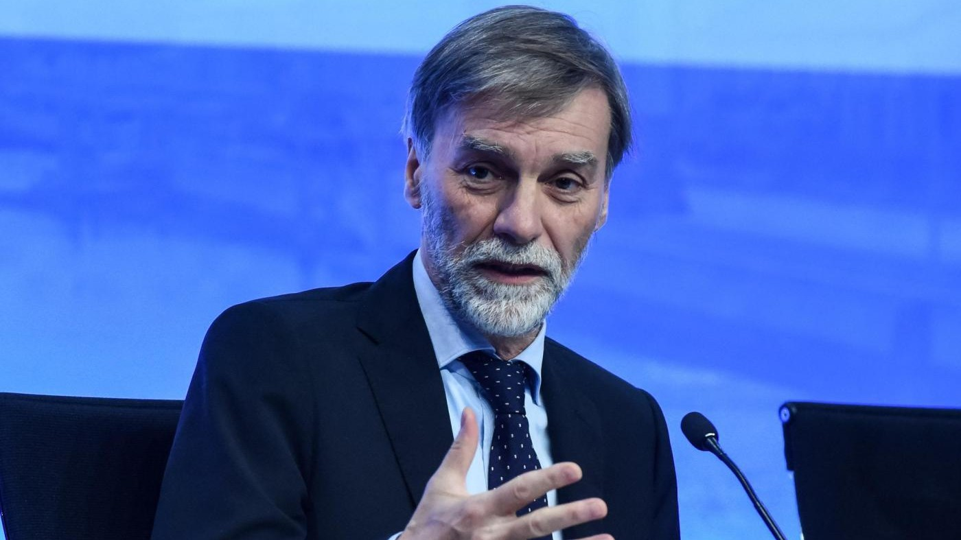 Alitalia, sindacati: Per Delrio la situazione è molto critica