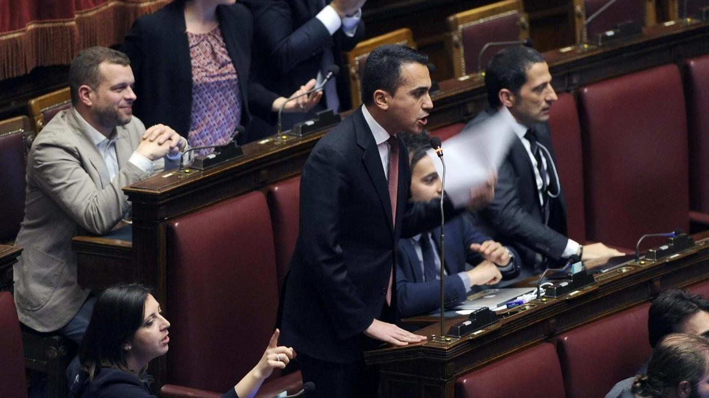 Vitalizi, ok a proposta Pd, dura protesta M5s. Boldrini: Atti gravi