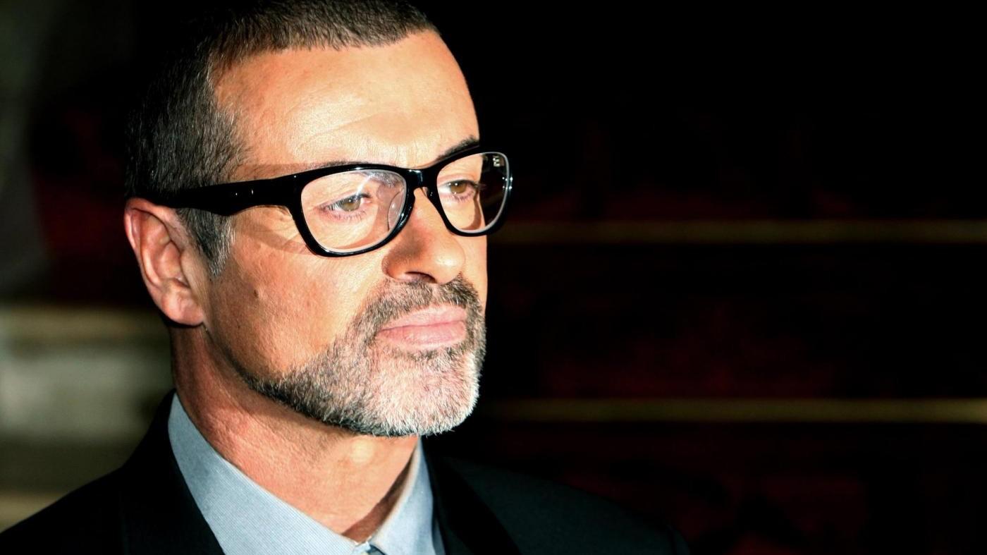 Ultimo saluto a George Michael: i funerali a Londra in forma privata