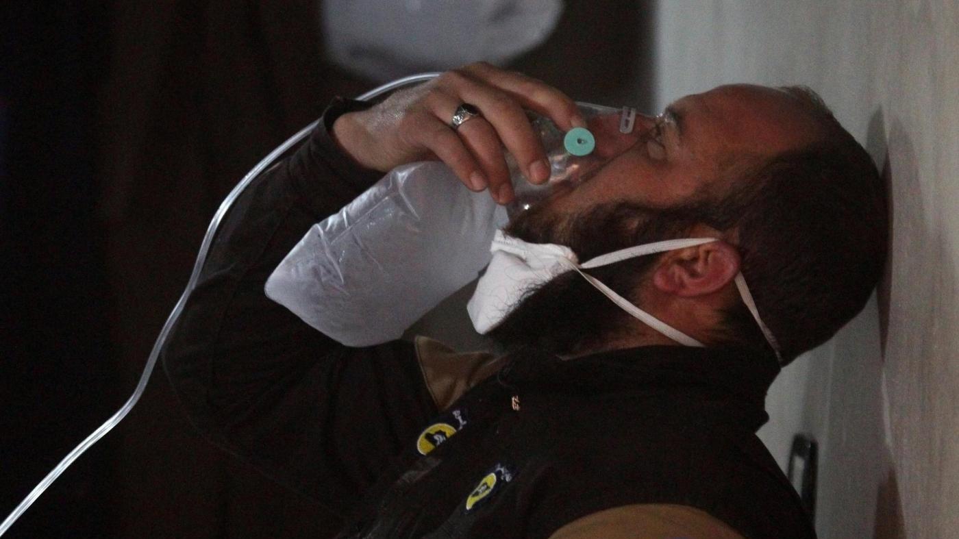 Siria, sospetto attacco chimico del governo: 58 morti. La Casa Bianca: Colpa di Obama