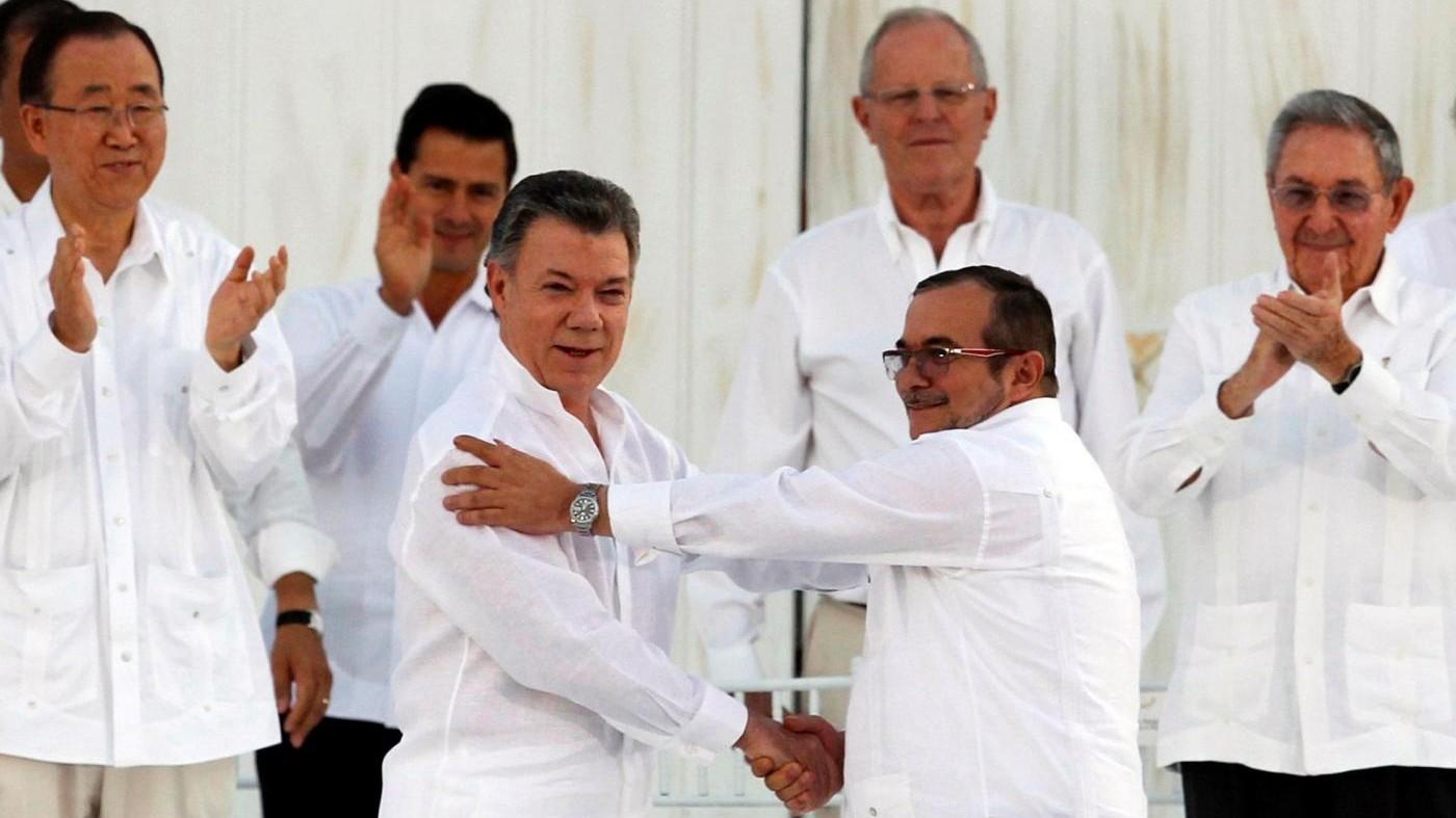 FOTO Colombia, è pace tra governo e FARC