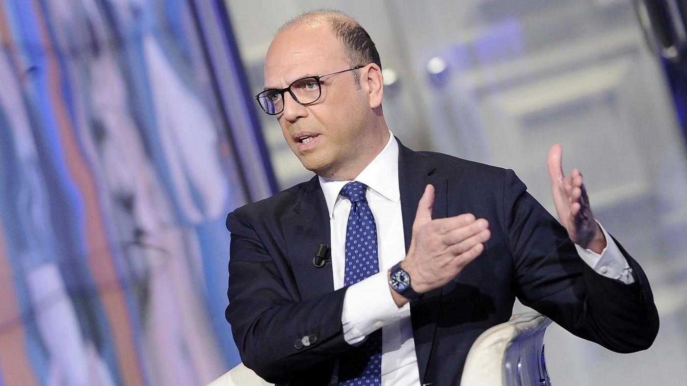 Egitto, Alfano: Il terrore sarà sconfitto, Italia in prima linea