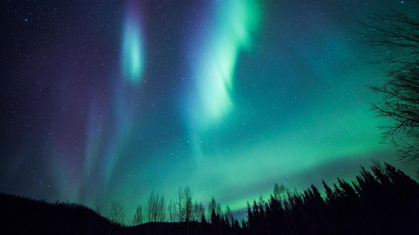 FOTO Alaska, aurora boreale illumina cielo di colori spettacolari