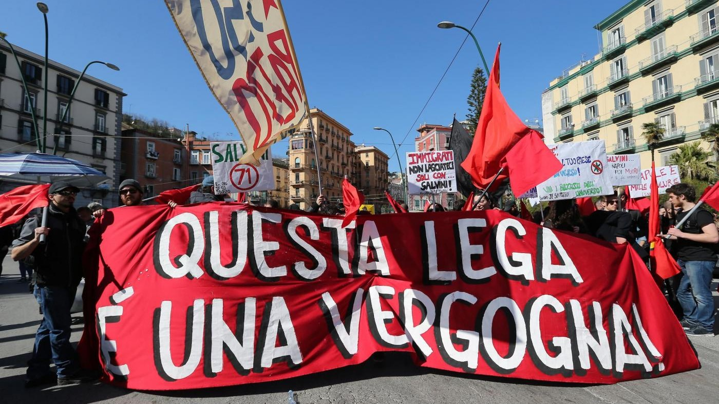 Pontida, manifestazione anti Lega: sindaco ordina 'coprifuoco'