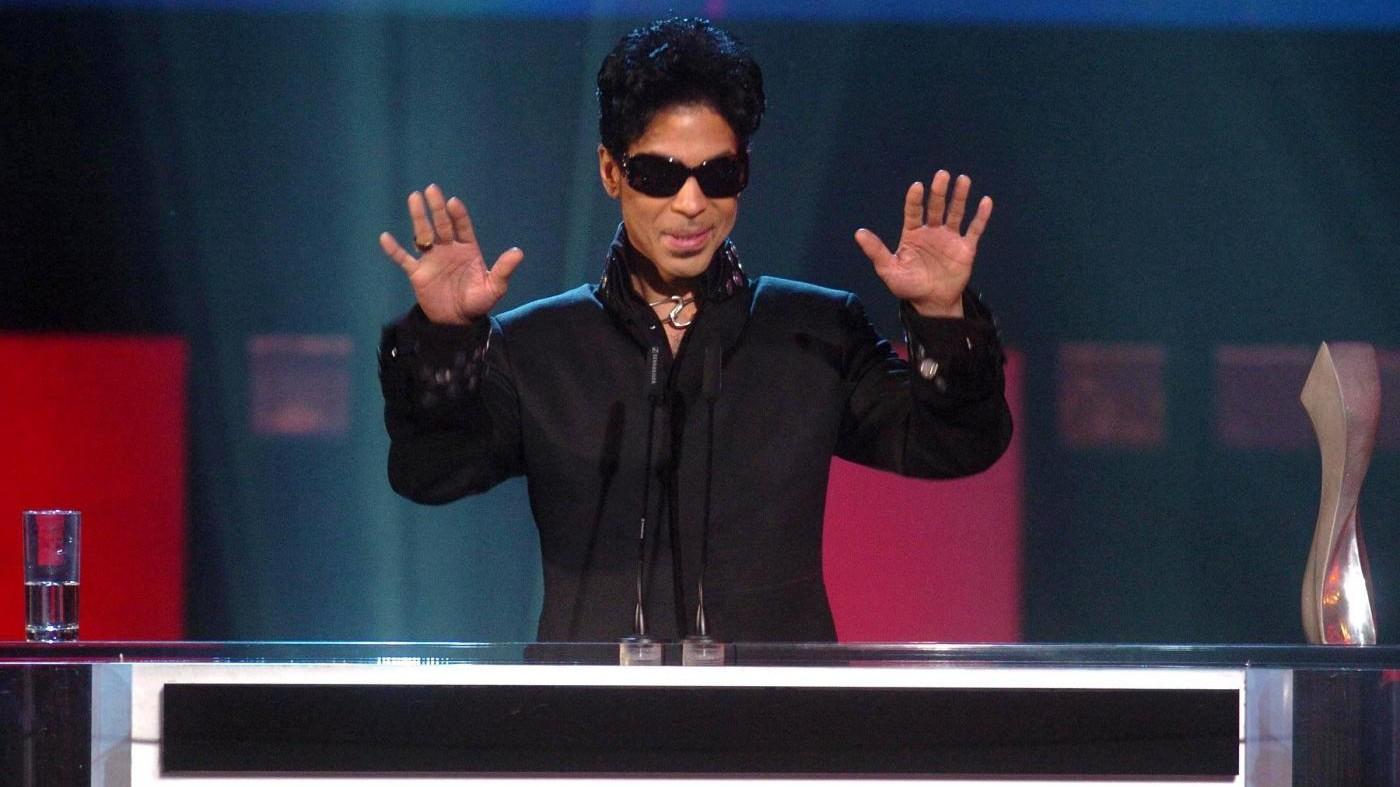 Nuovi dettagli su morte di Prince: la casa era piena di oppiacei