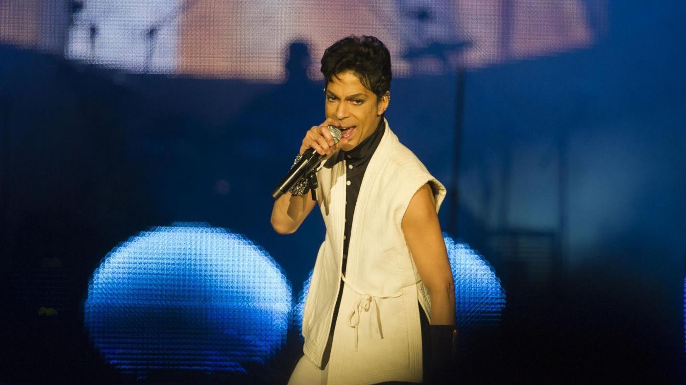 Prince, nuovi dettagli a un anno dalla morte: casa piena di oppiacei