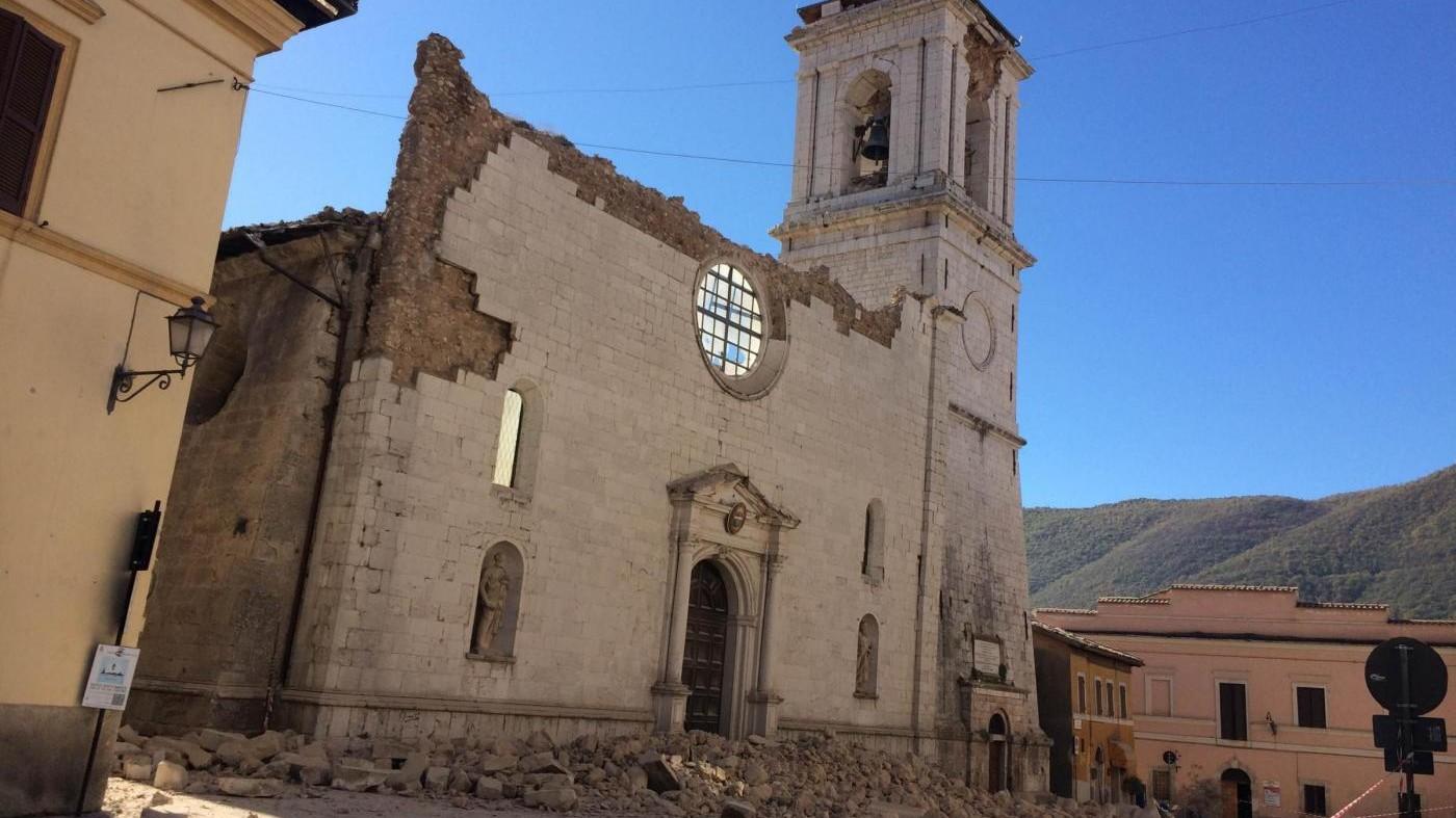 FOTO Sisma, crolla a Norcia Basilica San Benedetto