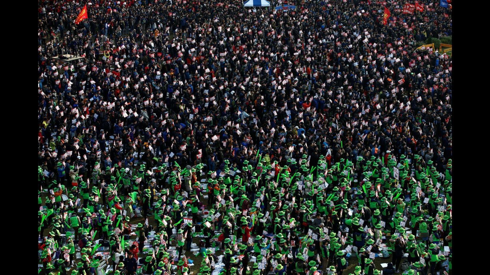 Seoul, un milione in corteo per chiedere dimissioni della presidente