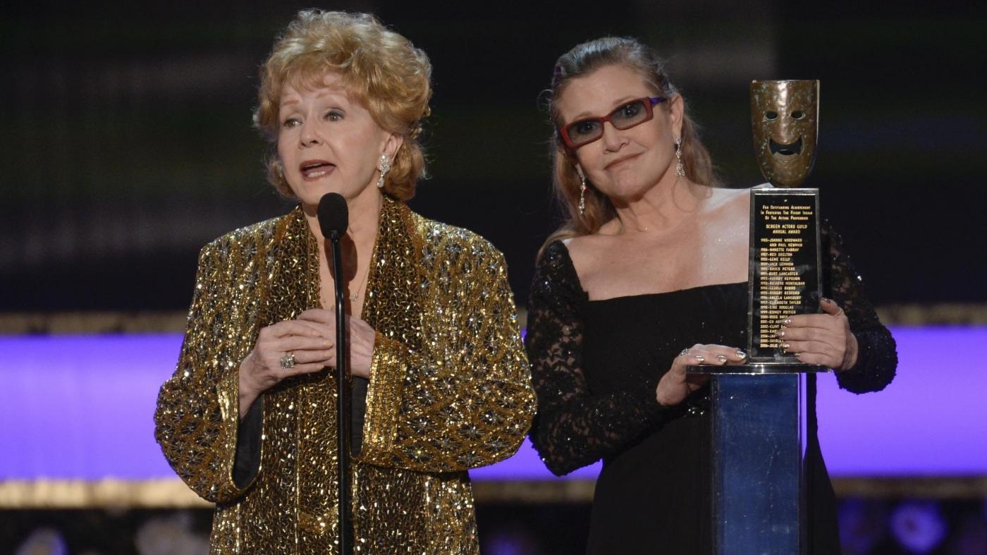 Addio a Debbie Reynolds, la madre di Carrie Fisher morta martedì