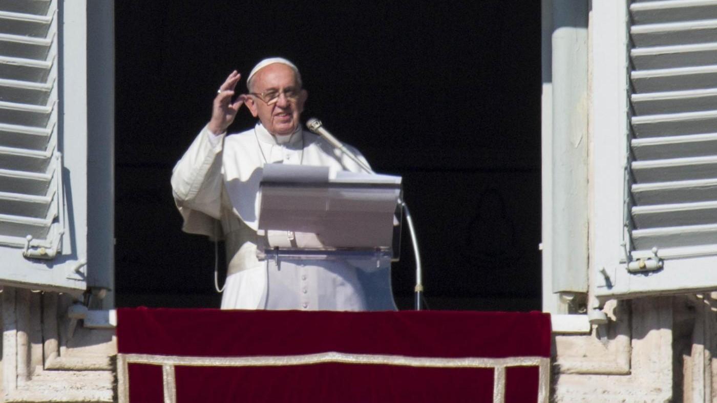 Papa: Basta carceri affollate, siano degne di persone umane