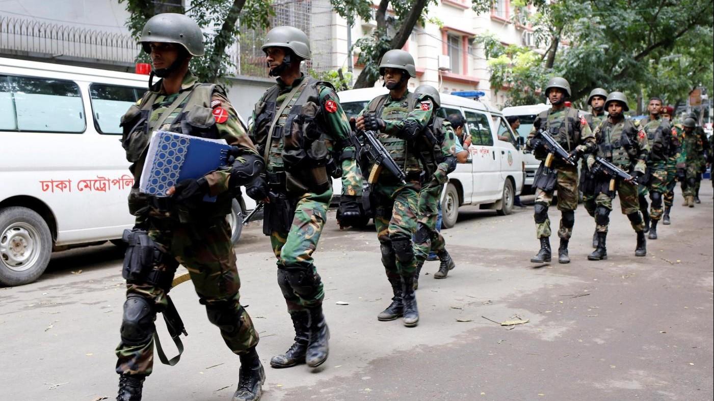 Bangladesh, uccisa la mente della strage di italiani a Dacca