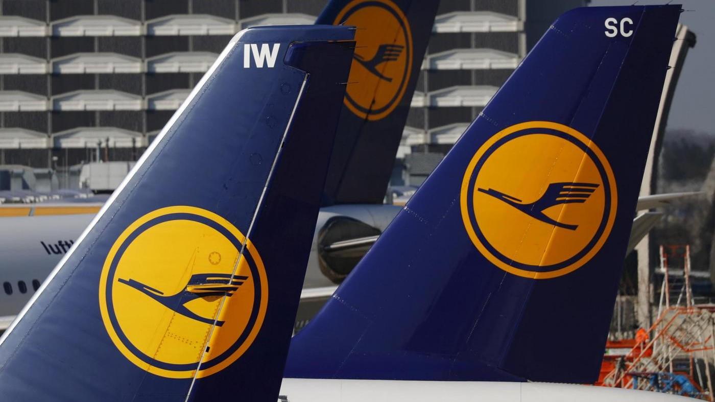 Lufthansa, piloti prolungano sciopero: 876 i voli cancellati