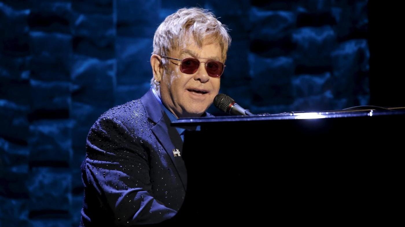 Elton John smentisce: Non suonerò all' inauguration di Trump