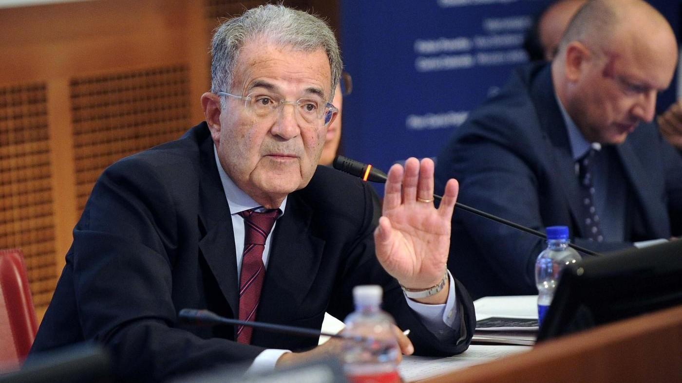 Prodi si sfila: Parroco non torni in parrocchia neanche per confessare