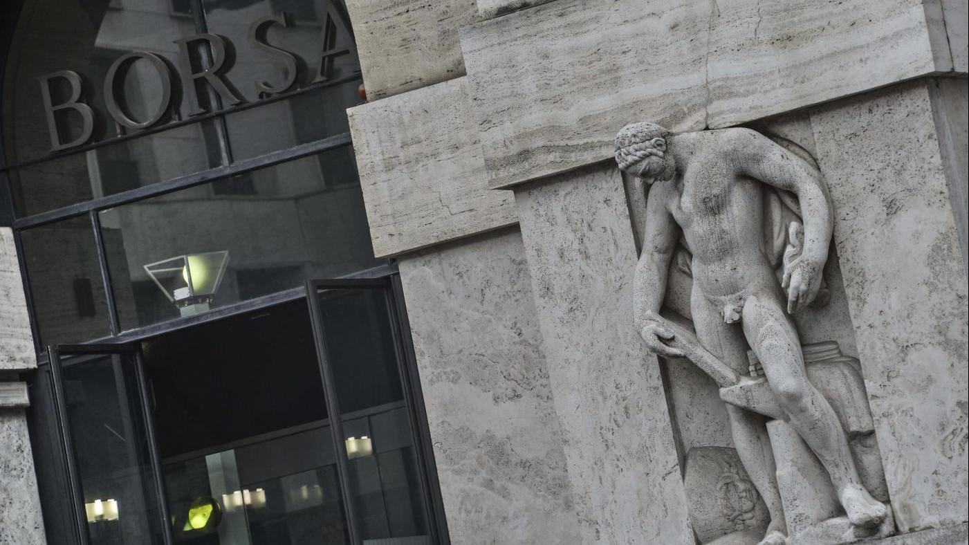Borsa, Milano a +2,1% in attesa della riunione della Bce. Vola Mps