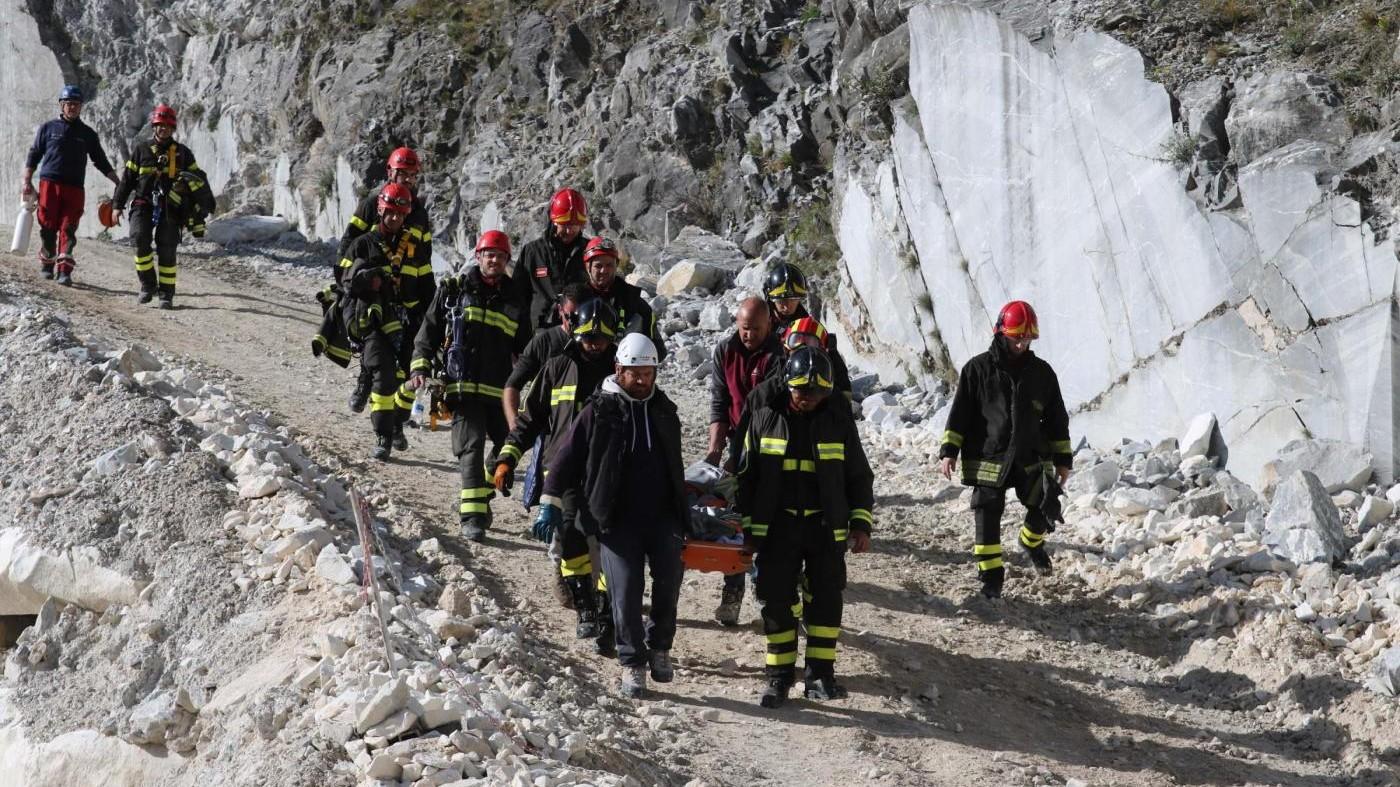 FOTO Carrara, crollo in cava: ritrovati corpi dei due dispersi