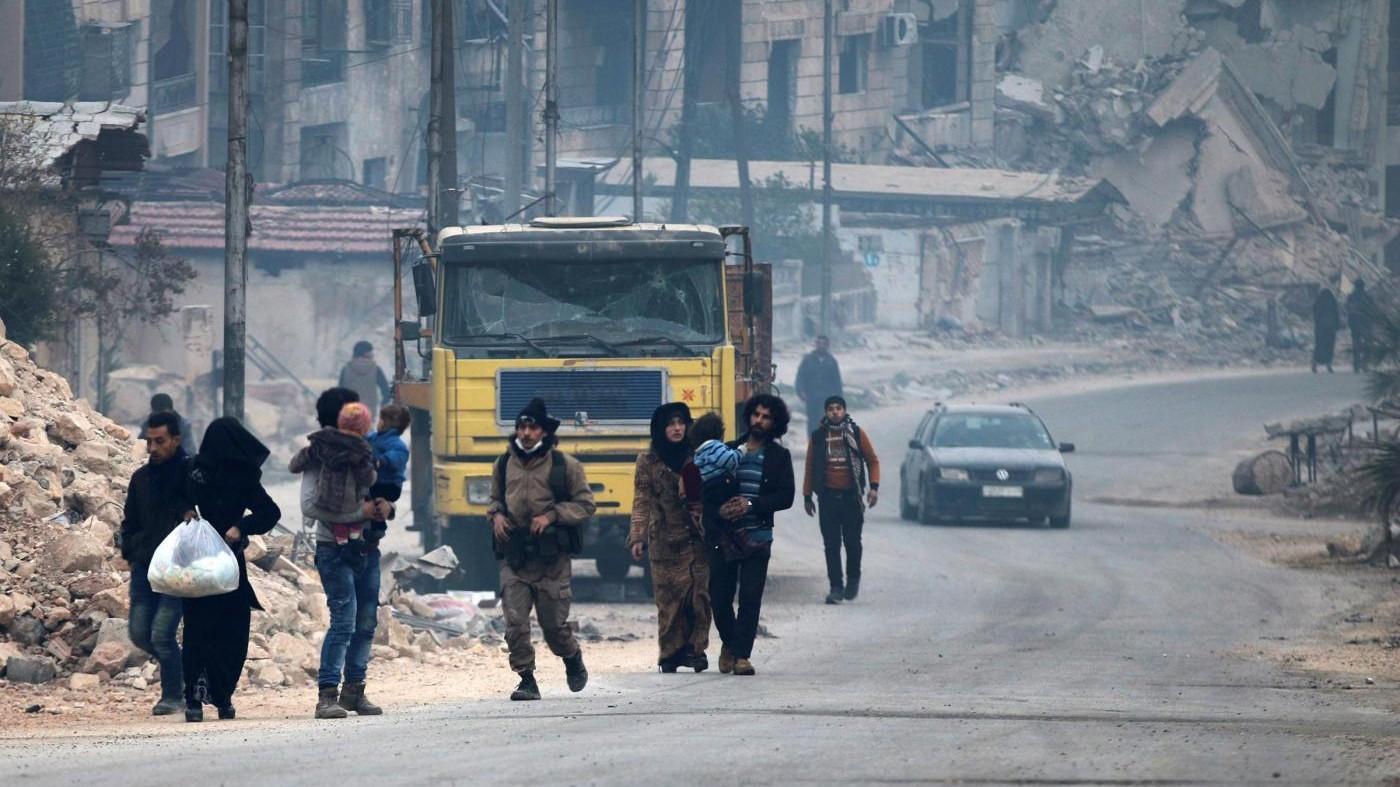 Aleppo, Onu: Forze Assad hanno ucciso 82 civili. Bimbi intrappolati