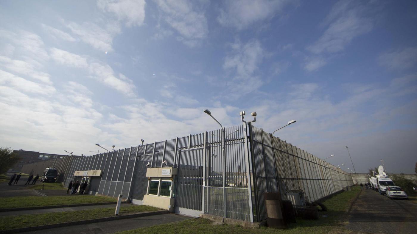 Evasione Rebibbia, trasferiti i 7 agenti in servizio durante fuga