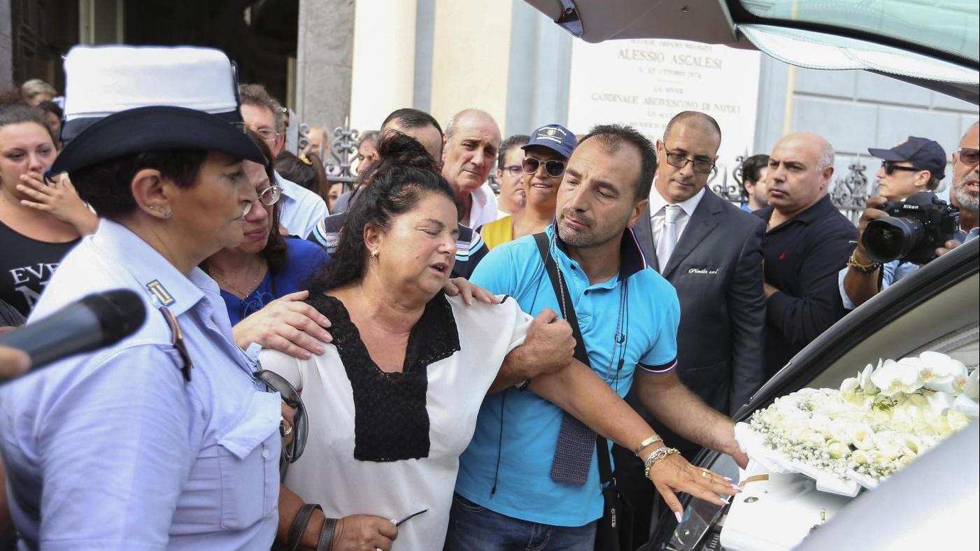 Suicida per video hard, la madre: Giudice si è sbagliato su di lei, ora giustizia