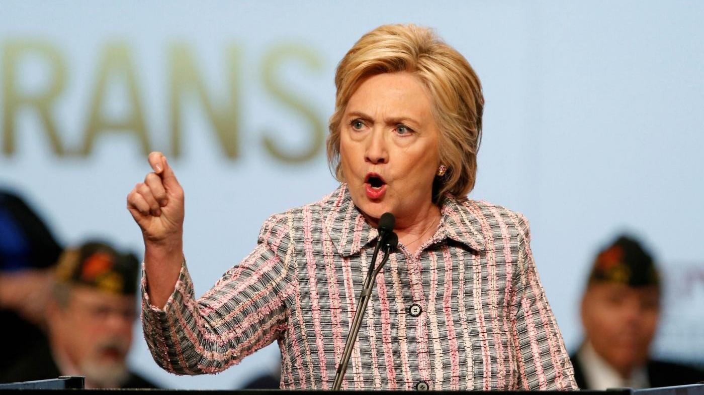 Clinton: Mi spiace ma orgogliosa, lottate per ciò che è giusto