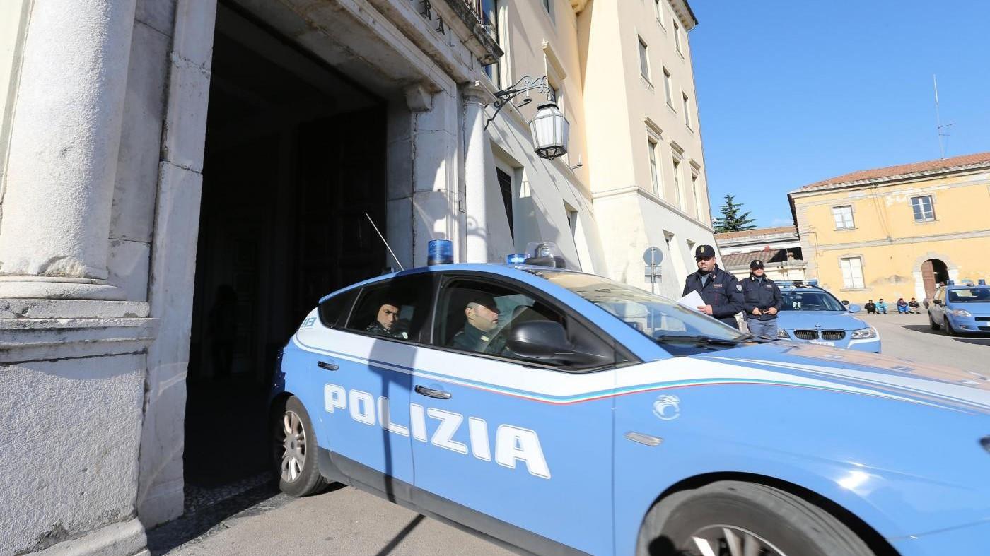 Roma, abusi sessuali su figlia per sei anni: arrestato 42enne