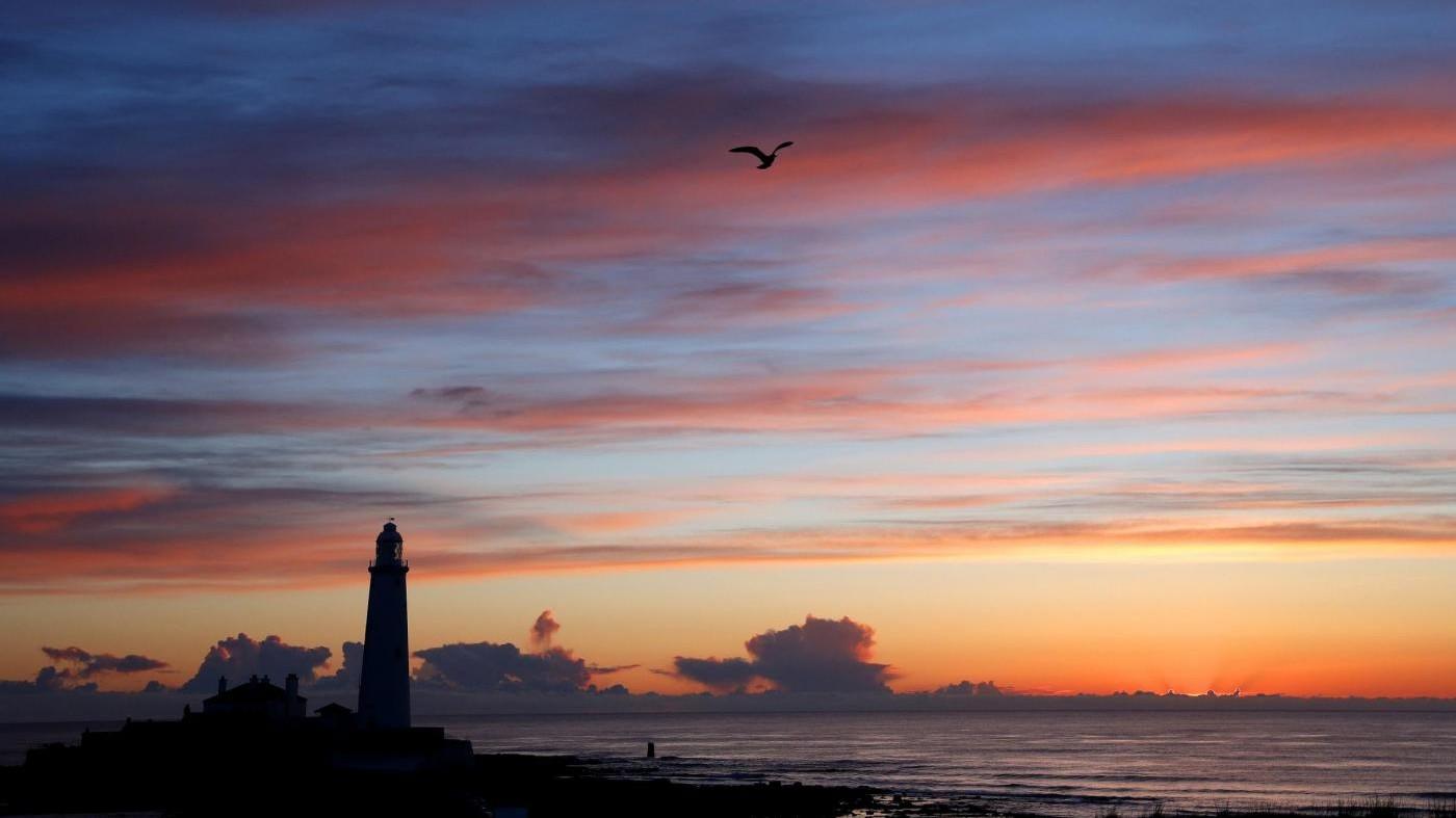 FOTO Alba in Gran Bretagna: gli scatti da sogno