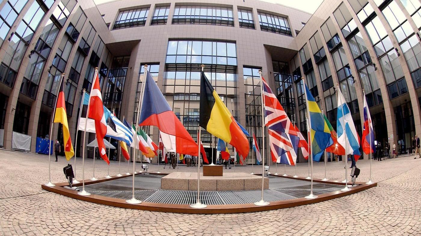 Ue, trovato l'accordo sul bilancio, ma l'Italia si astiene