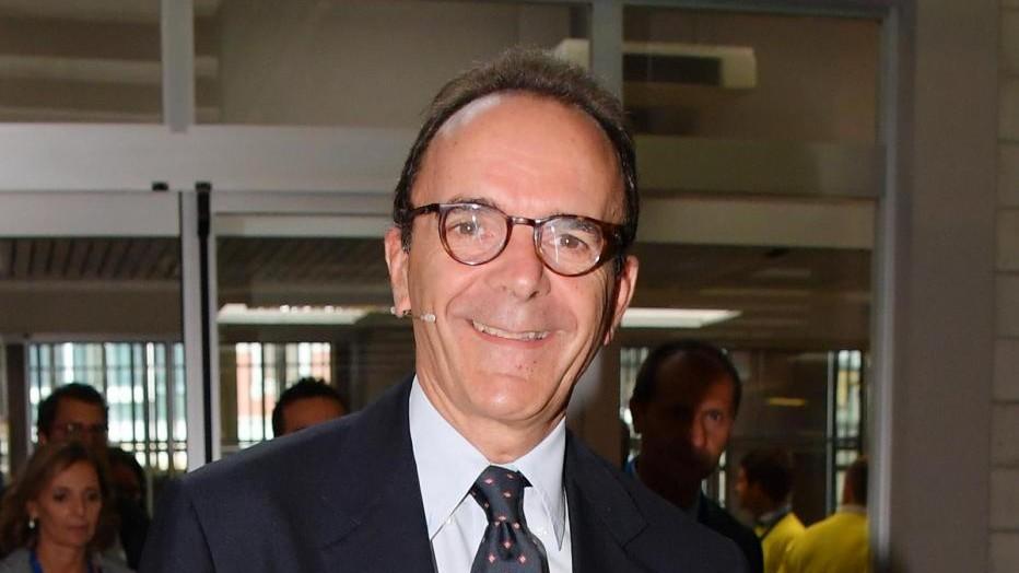 Parisi: Non prendo soldi da Berlusconi ma politica gratis è dittatura