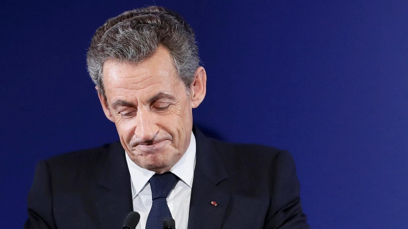 Flop di Sarkozy, tra i gollisti è sfida Juppé-Fillon per l'Eliseo