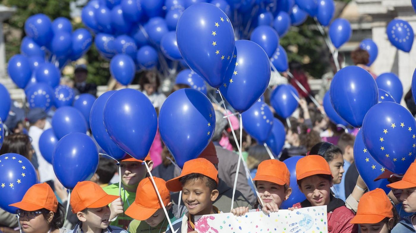 FOTO Campidoglio, Festa dell'Europa con i bambini delle scuole