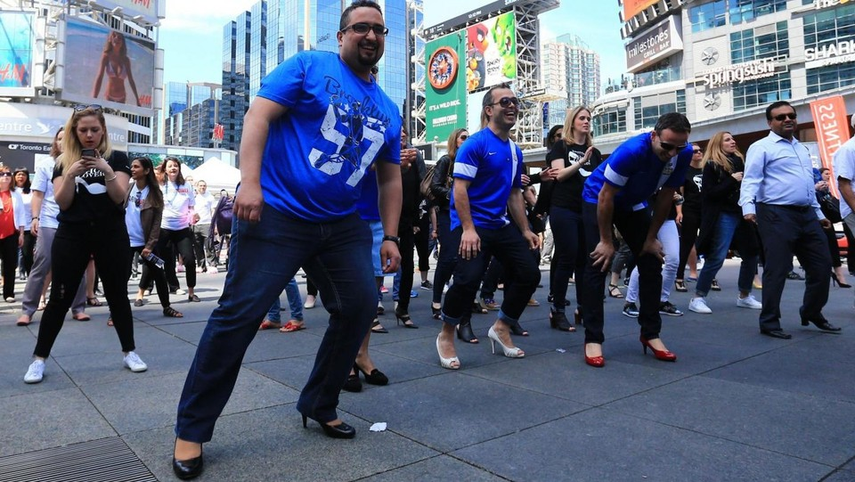 La 'Walk A Mile In Her Shoes' ©LaPresse/XinHua