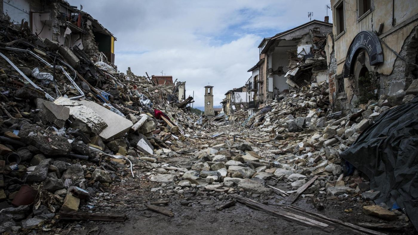 Terremoto, discoteche solidali: devoluti 50 centesimi a biglietto