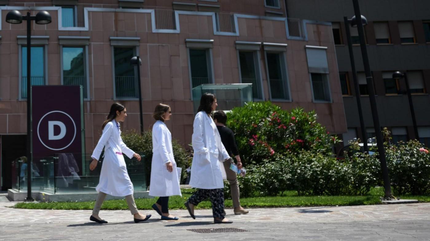 Catania, muore di parto con 2 gemelli: ispettori in ospedale