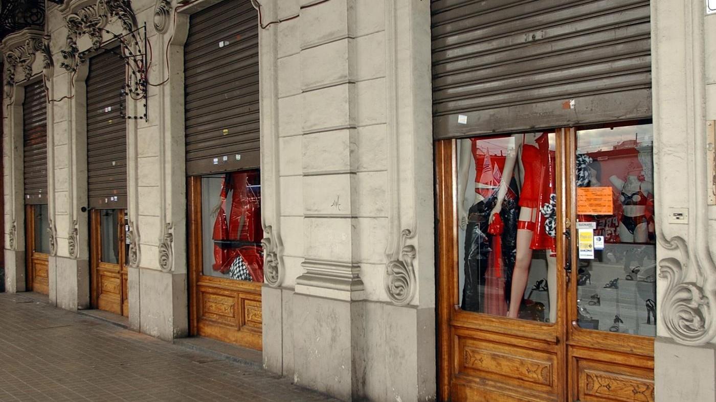 Crisi commercio, nel 2016 chiusi 3.167 negozi: oltre 11 al giorno