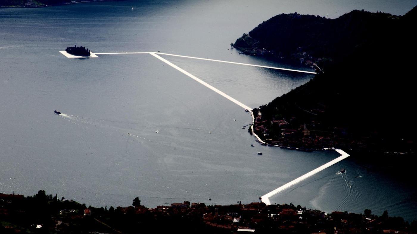 FOTO La magica passerella dell'artista Christo sul Lago d'Iseo