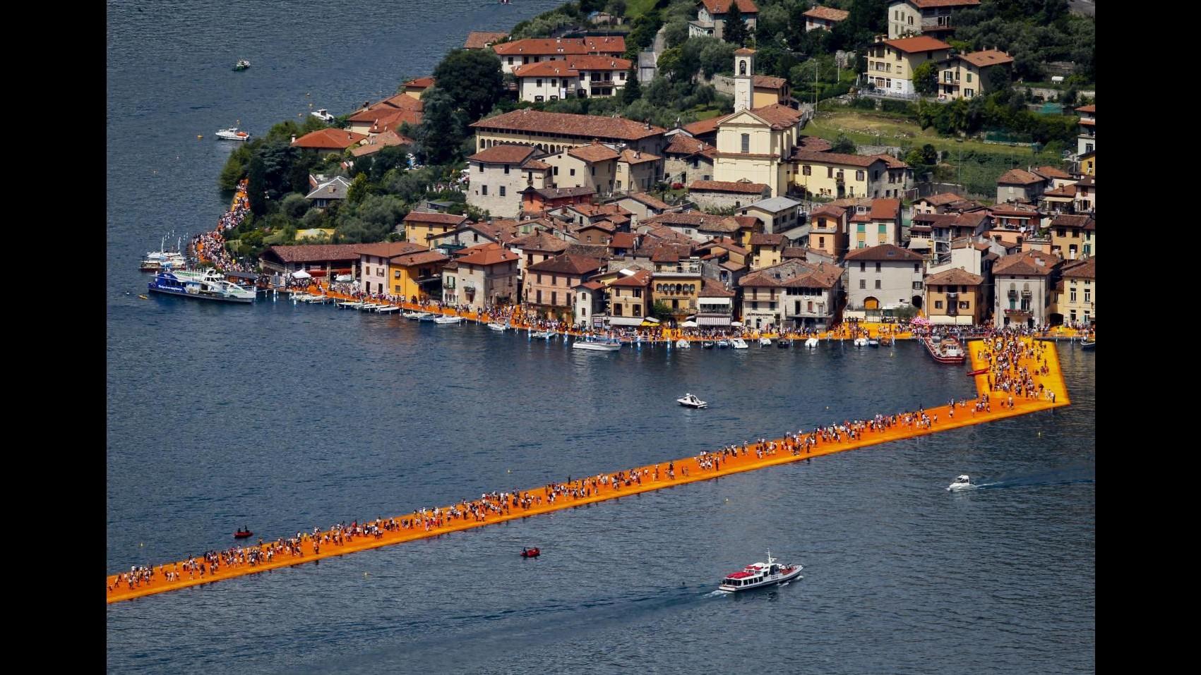 The Floating Piers, l'opera di Christo sul lago d'Iseo