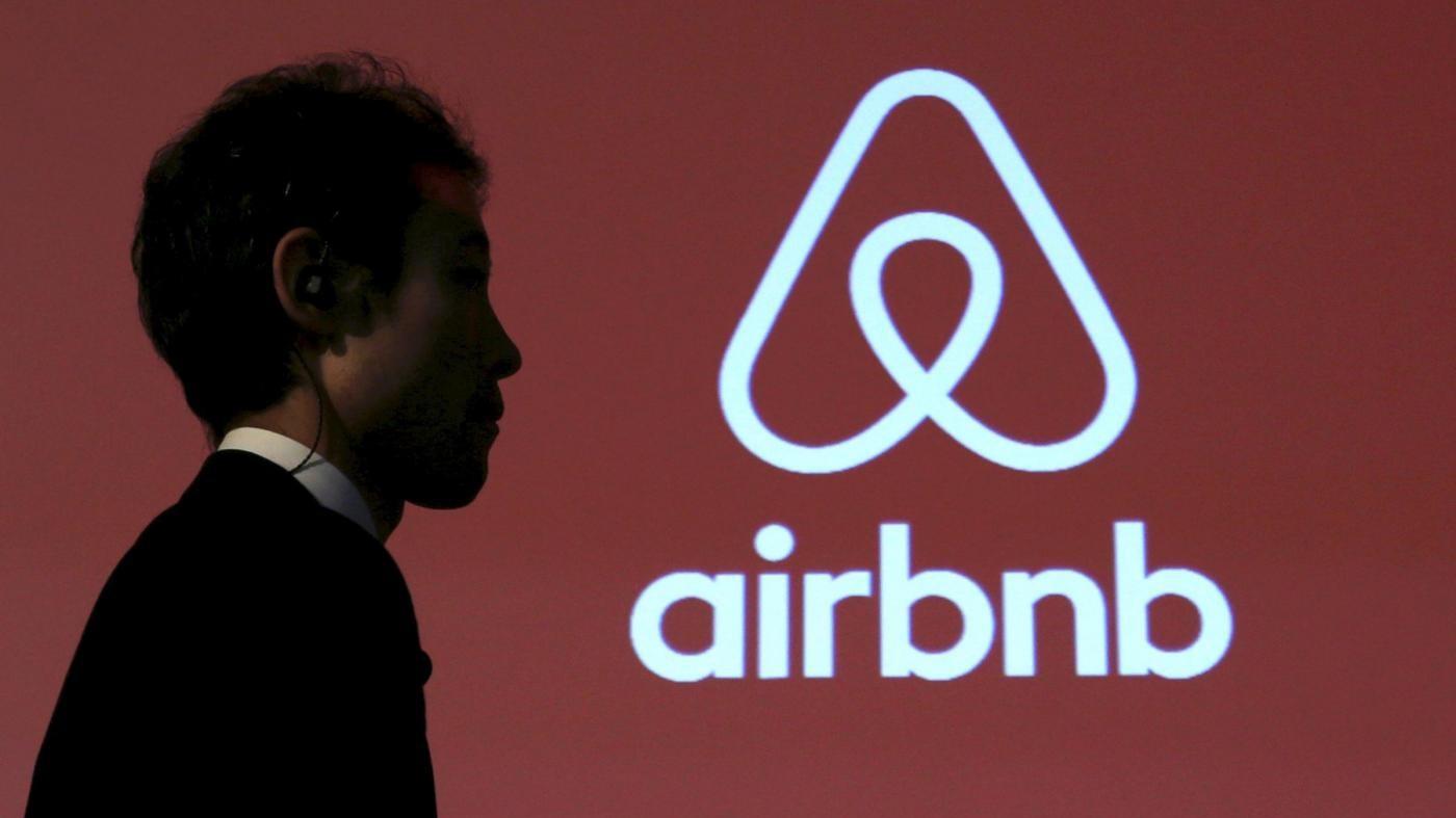 Londra, aumento prezzi e crisi alloggi: ancora bufera su Airbnb