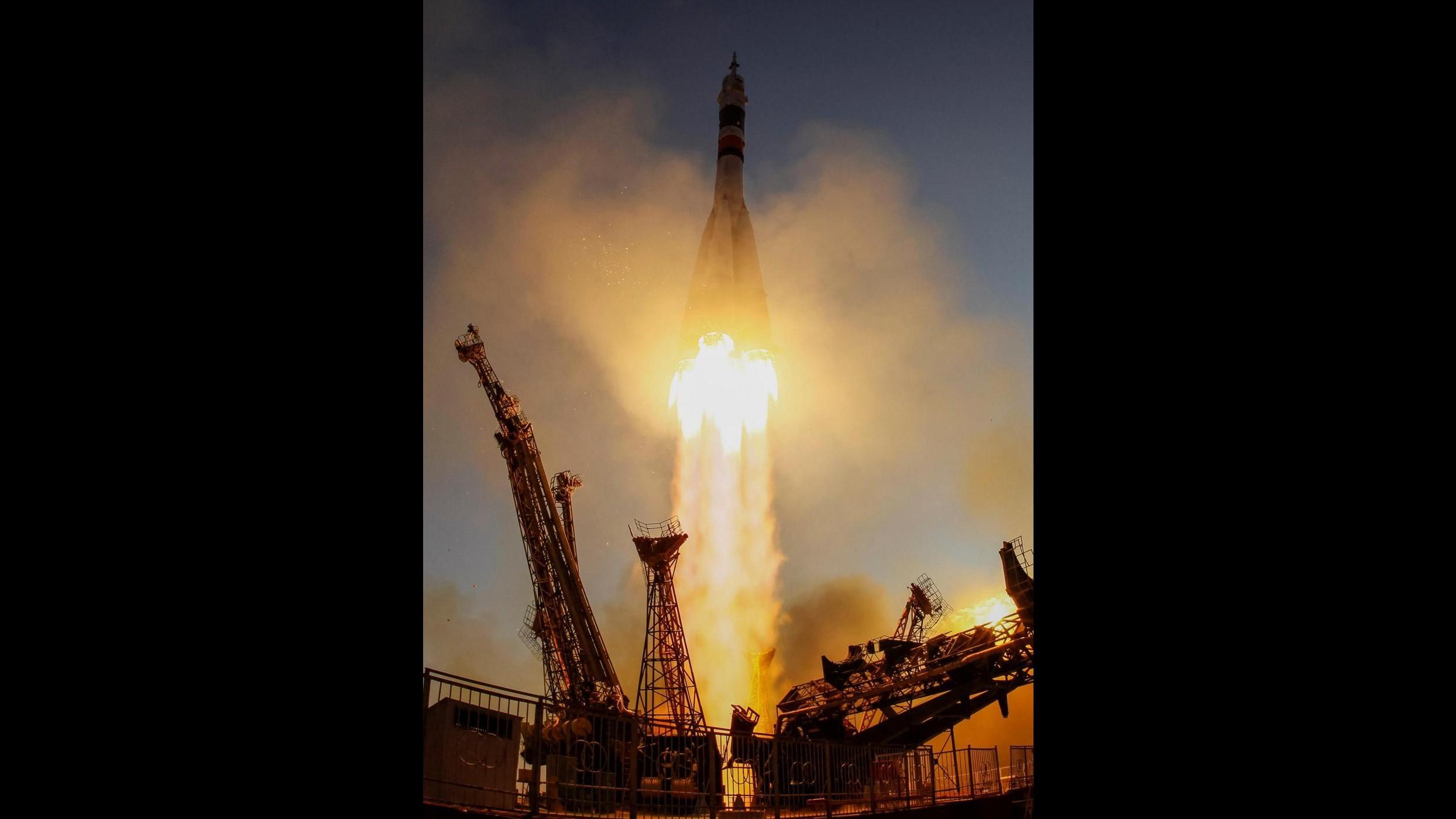 FOTO Lancio in Kazakistan della navetta Soyuz