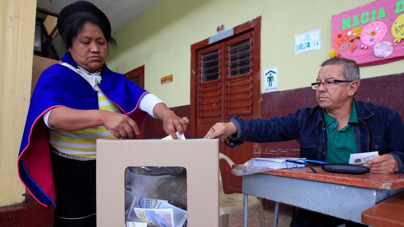 Colombia, referendum respinge accordo di pace governo-Farc