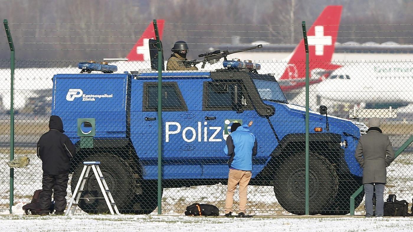 Allarme bomba all'aeroporto di Ginevra: controlli su un aereo