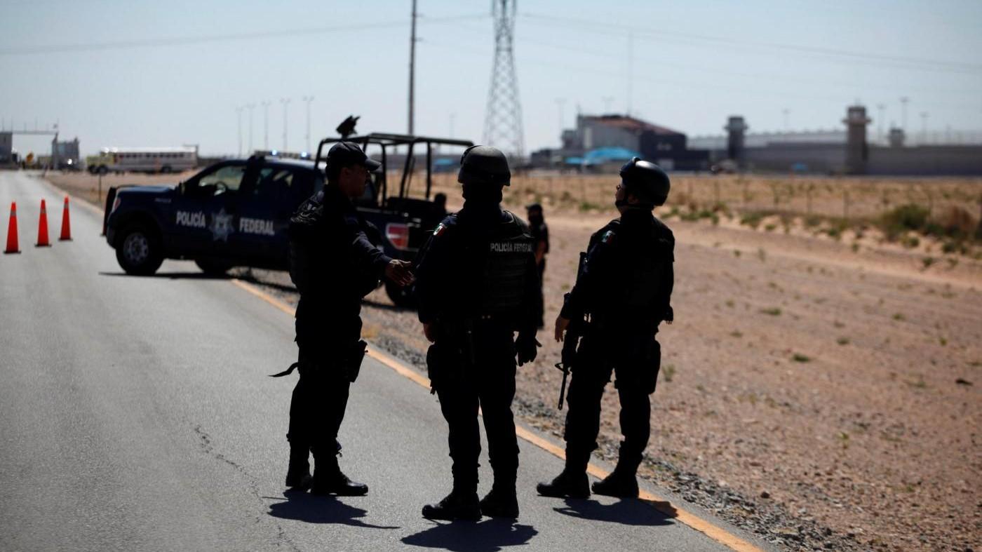 Messico, cartello droga abbatte elicottero polizia: 4 morti