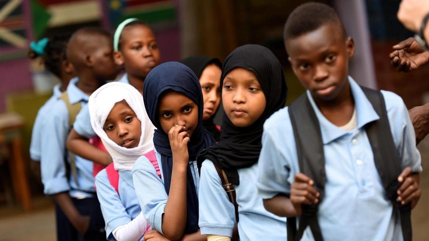 Unicef lancia allarme: 50 milioni di bimbi sradicati dal proprio Paese