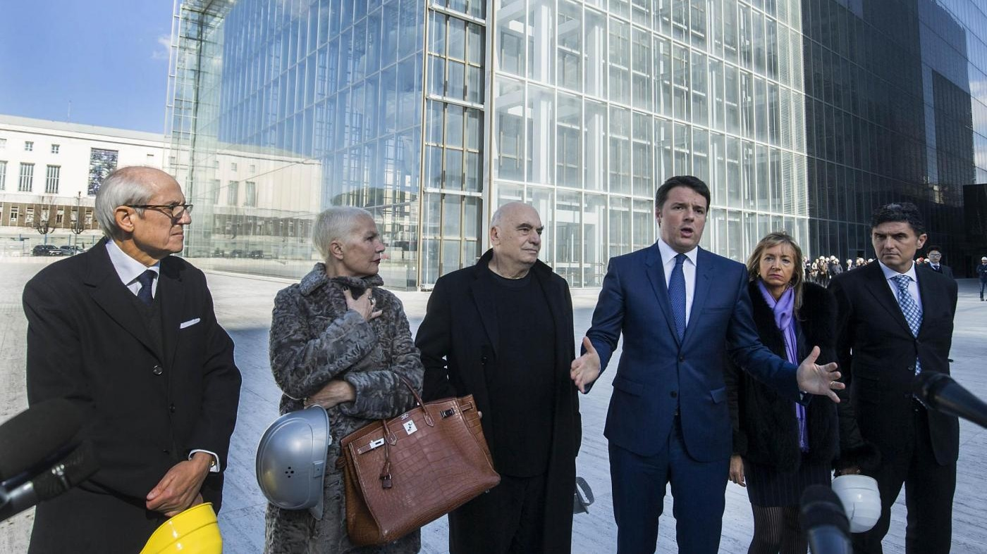 Matteo Renzi visita il cantiere della 'Nuvola' all'Eur
