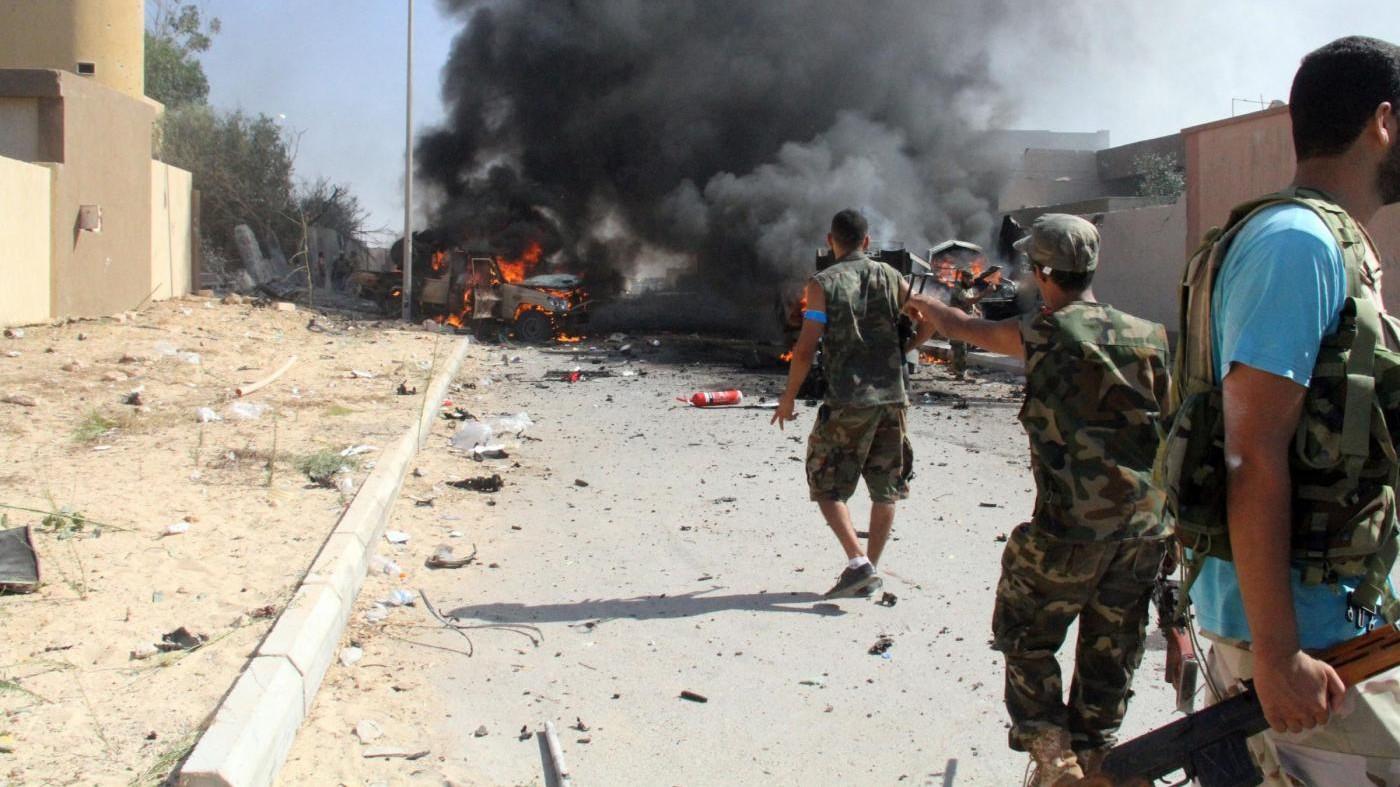 Siria, Isis rapisce 2mila civili e li usa come scudi umani