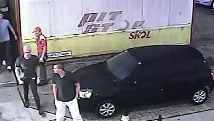 Rio, caso Lochte: spunta video con rissa al distributore di benzina / VIDEO